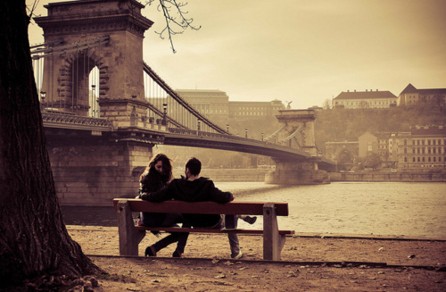 autumn-budapest-couple-emo-hungary-love-Favim.com-79873 large